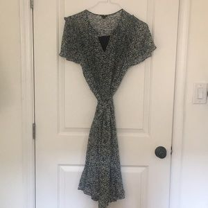 Floral Pleated Ann Taylor dress size 6